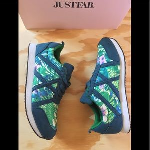 🆕 JustFab Dayna Blue Floral Women's Sneakers 6.5